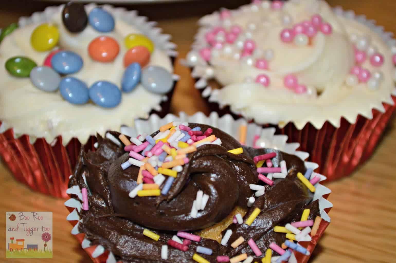 Renshaw Baking - Valentines Day Cupcakes