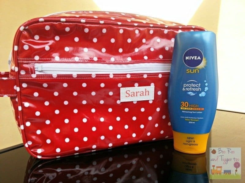 NIVEA Sun Protect & Refresh - Refreshing Sun Lotion