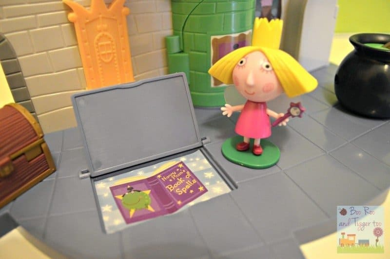 Ben and Holly Thistle Castle Playset - Book of Spells