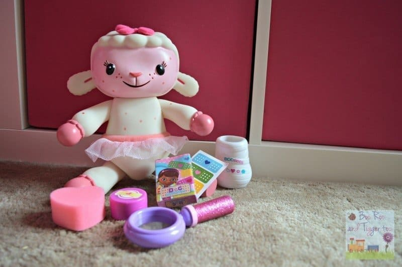 Doc McStuffins Spotty Lambie Playset - Contents