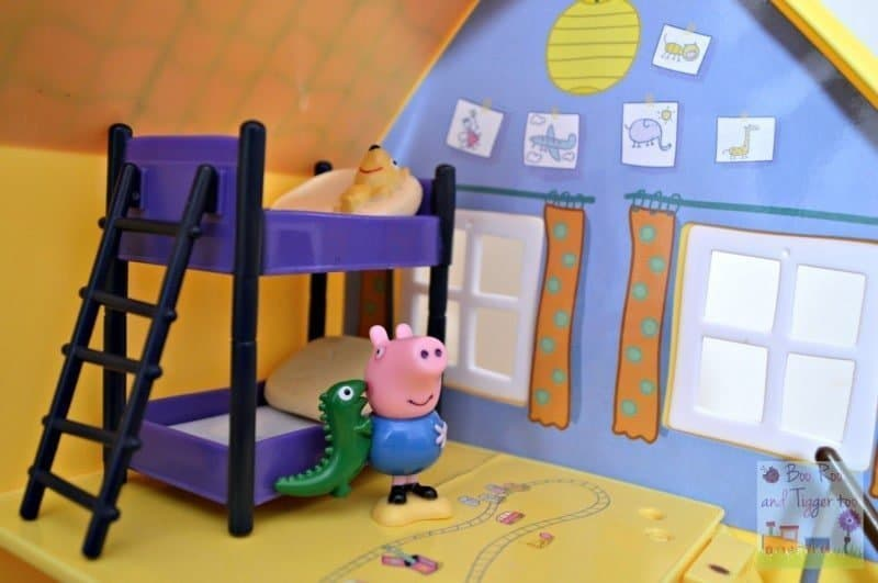 Peppa Pig Muddy Puddles Deluxe Playhouse - Bedroom