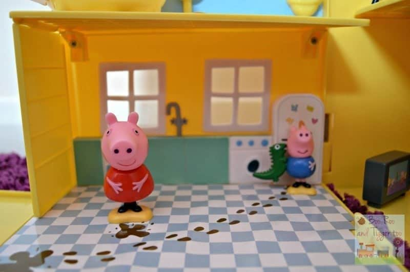 Peppa Pig Muddy Puddles Deluxe Playhouse - Kitchen