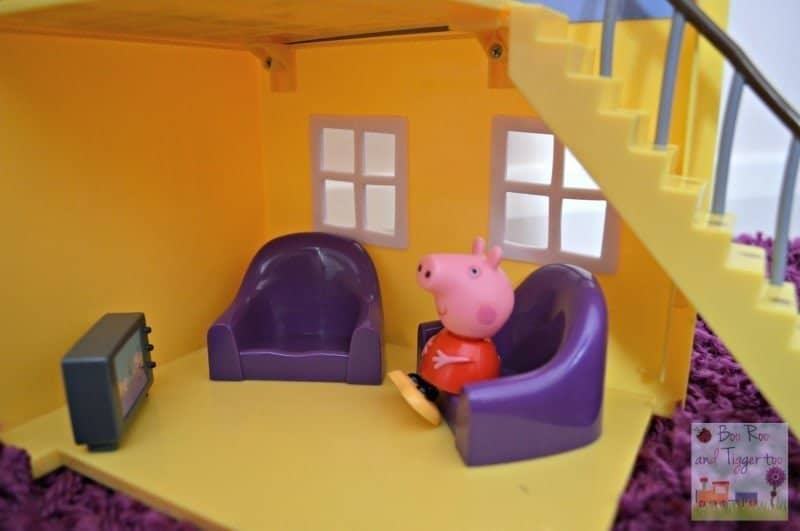 Peppa Pig Muddy Puddles Deluxe Playhouse - Living Room