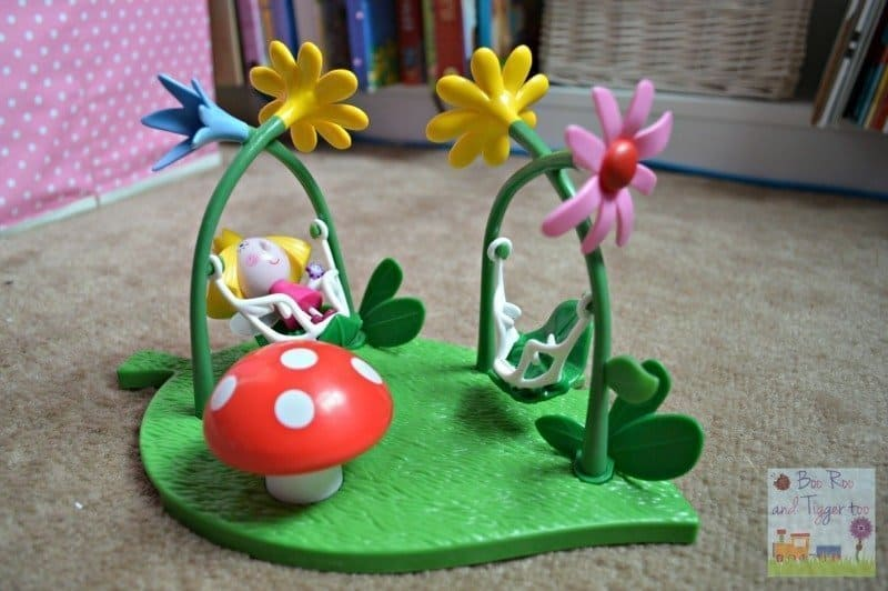 Ben & Holly's Magical Playground Playset - Swing with Holly
