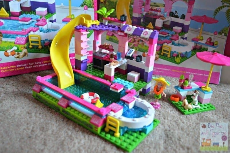 Mega Bloks Build 'n Play Chelsea Pool Party