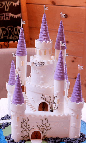 Make Magical Fairy Tale Castle Turrets With Fondant Icing