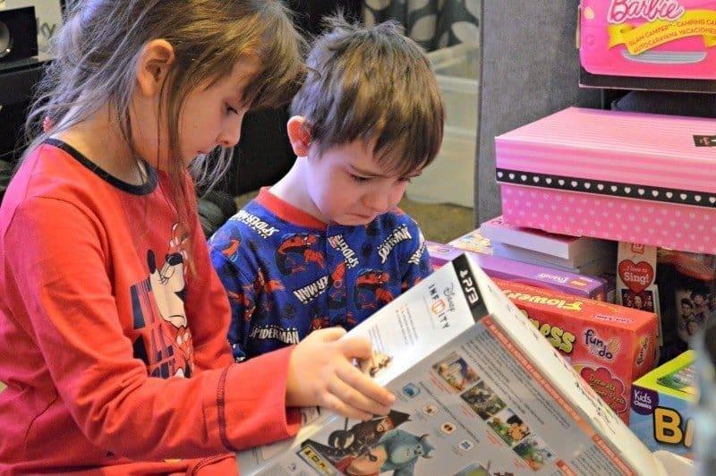 Siblings January 2015 - Christmas Day