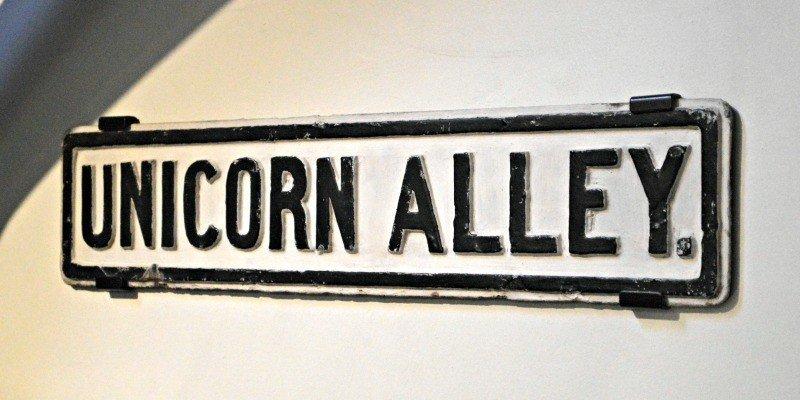 Silent Sunday - Unicorn Alley