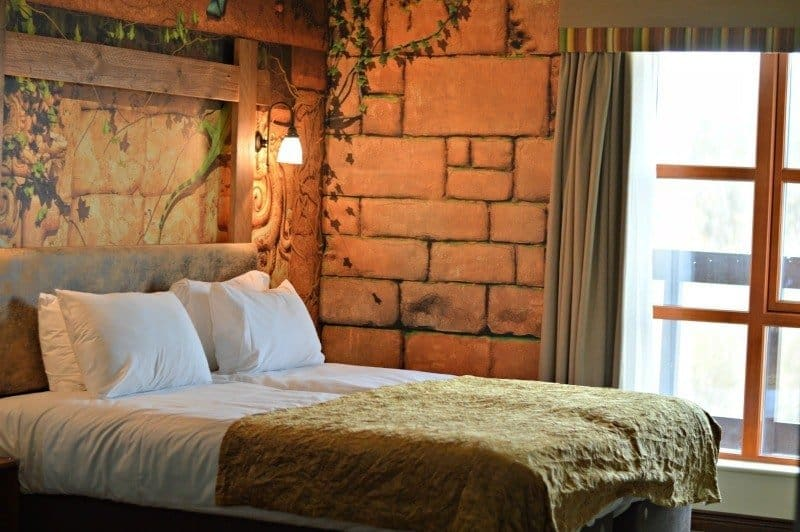 Chessington World of Adventures - Azteca Hotel Temple Treasures bedroom