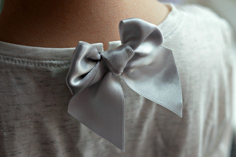 Courage & Kind - Silver bow fastening