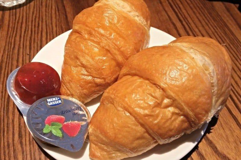 Warwick Premier Inn - Breakfast