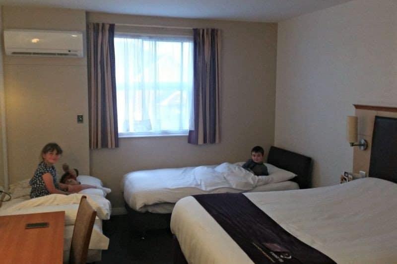 Premier inn uttoxeter hotel review boo roo and tigger too for Premier inn family room