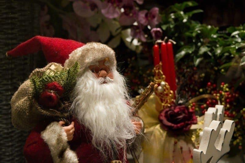 Santa shouldn't get all the glory