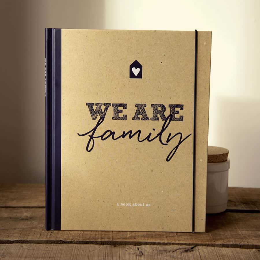 Illustries Family Book