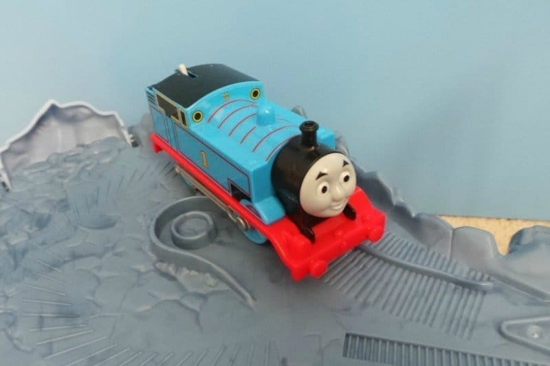 Thomas & Friends TrackMaster Close Call Cliff - Thomas 360 turn