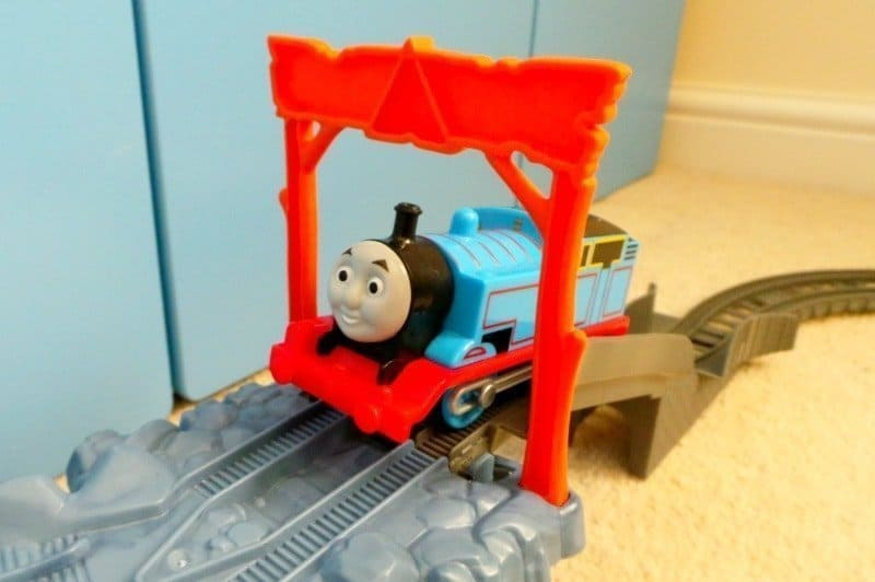 Thomas & Friends TrackMaster Close Call Cliff - Thomas top of cliff