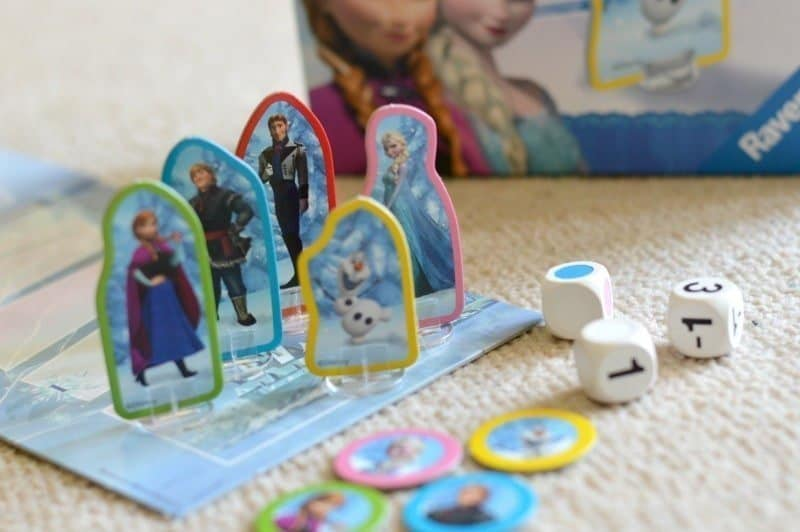 Ravensburger Disney Frozen Race to The Palace Game - Contents