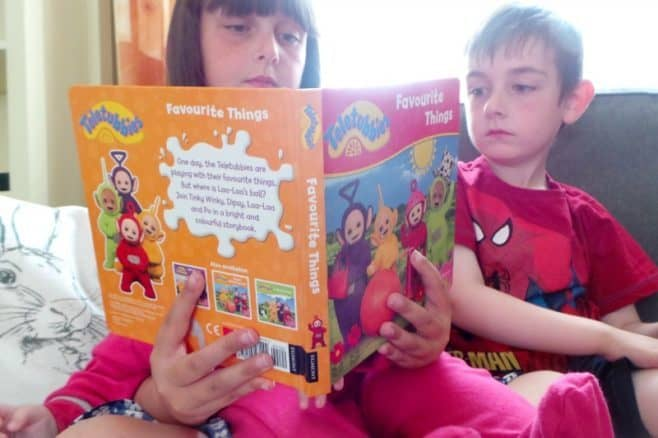 Teletubbies Favourite Things - Boo Roo and Tigger Too reading