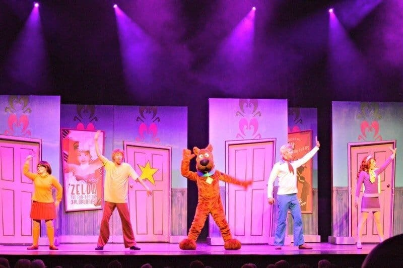 Scooby Doo Live - Velma, Shaggy, Scooby, Fred and Daphne