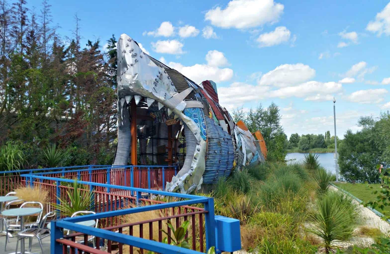 Thorpe Park - Shark Hotel
