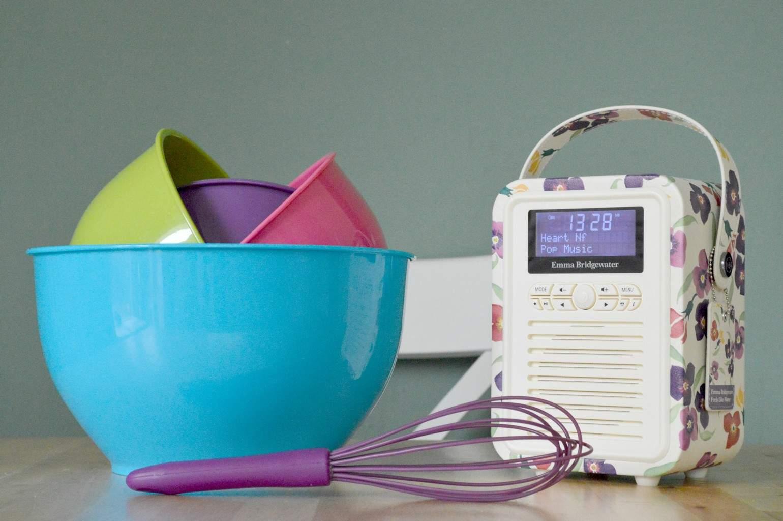 VQ Retro Mini DAB+ Radio Wallflower