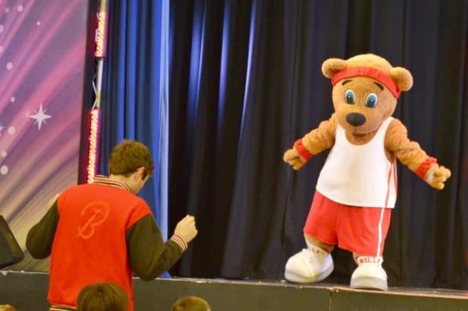 butlins-just-for-tots-billy-and-bonnies-wake-up-workout