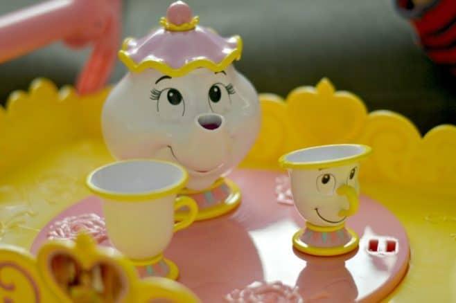 disney-belle-musical-tea-party-cart-mrs-potts-chip