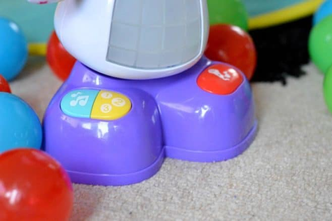 Fisher-Price Dance & Move Beat Belle - buttons