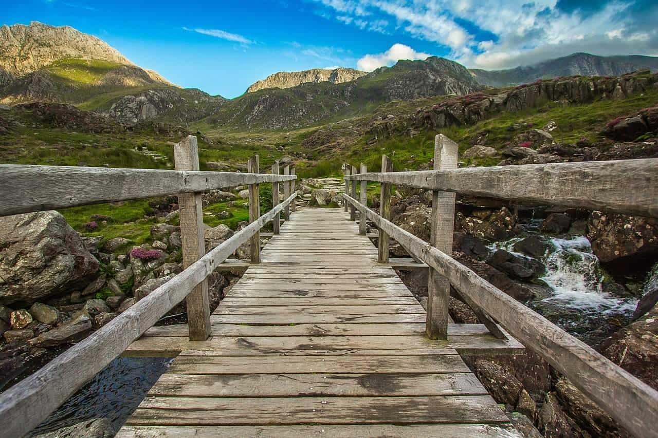 mountains-1608681_1280