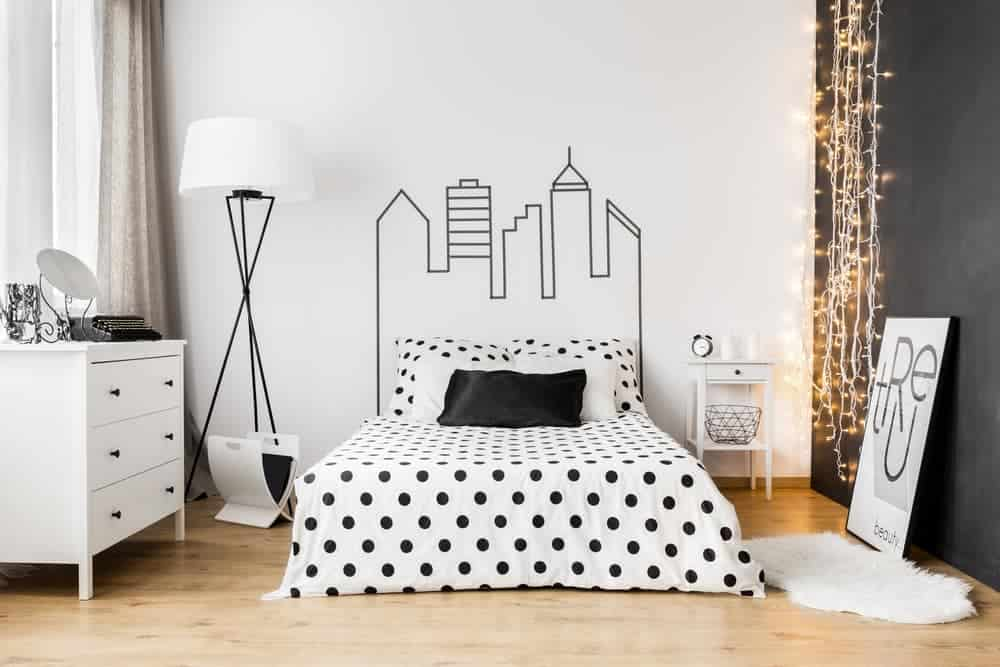 4 Ways to Decorate a Small Bedroom