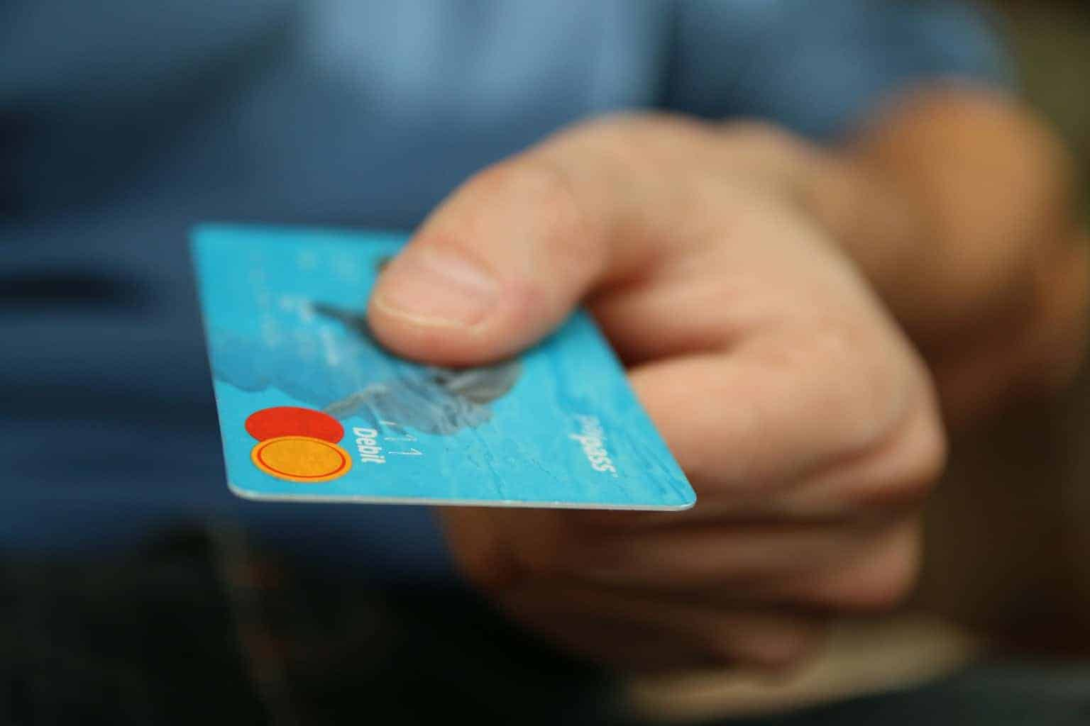 How to Manage Credit Card Spending and Improve your Credit Score