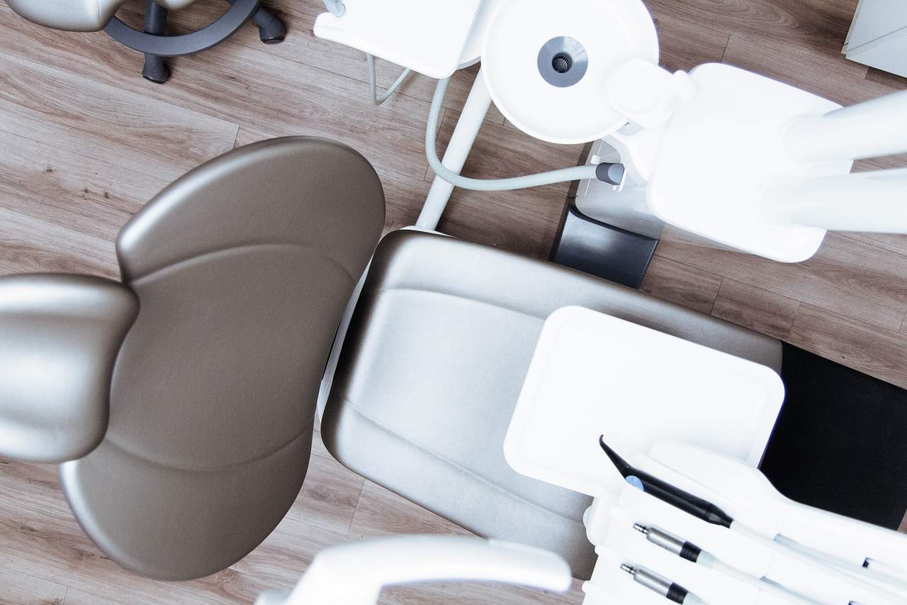 10 Tips For Finding The Right Cosmetic Dentist