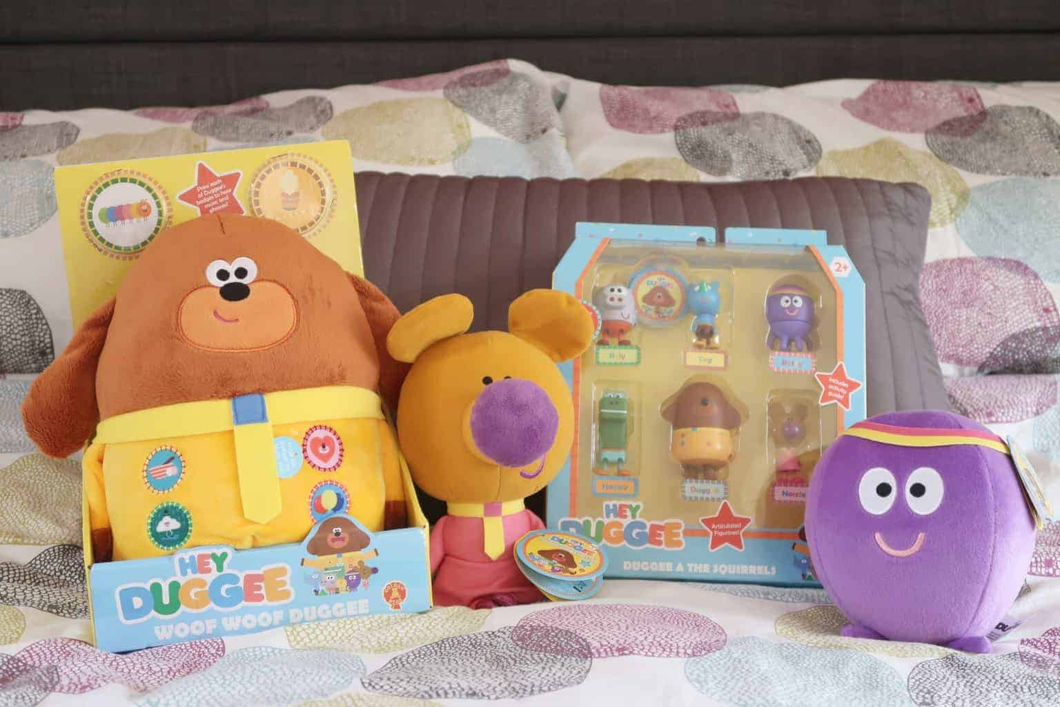 Hey Duggee and The Christmas Gift Guide Badge