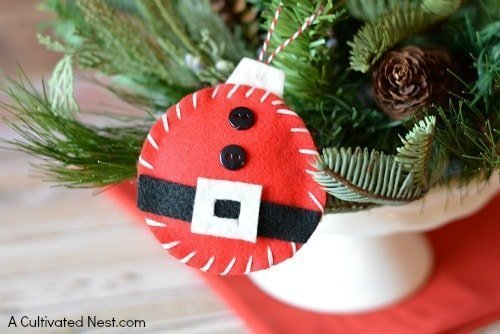 12 Sweet Santa Crafts for the Kids
