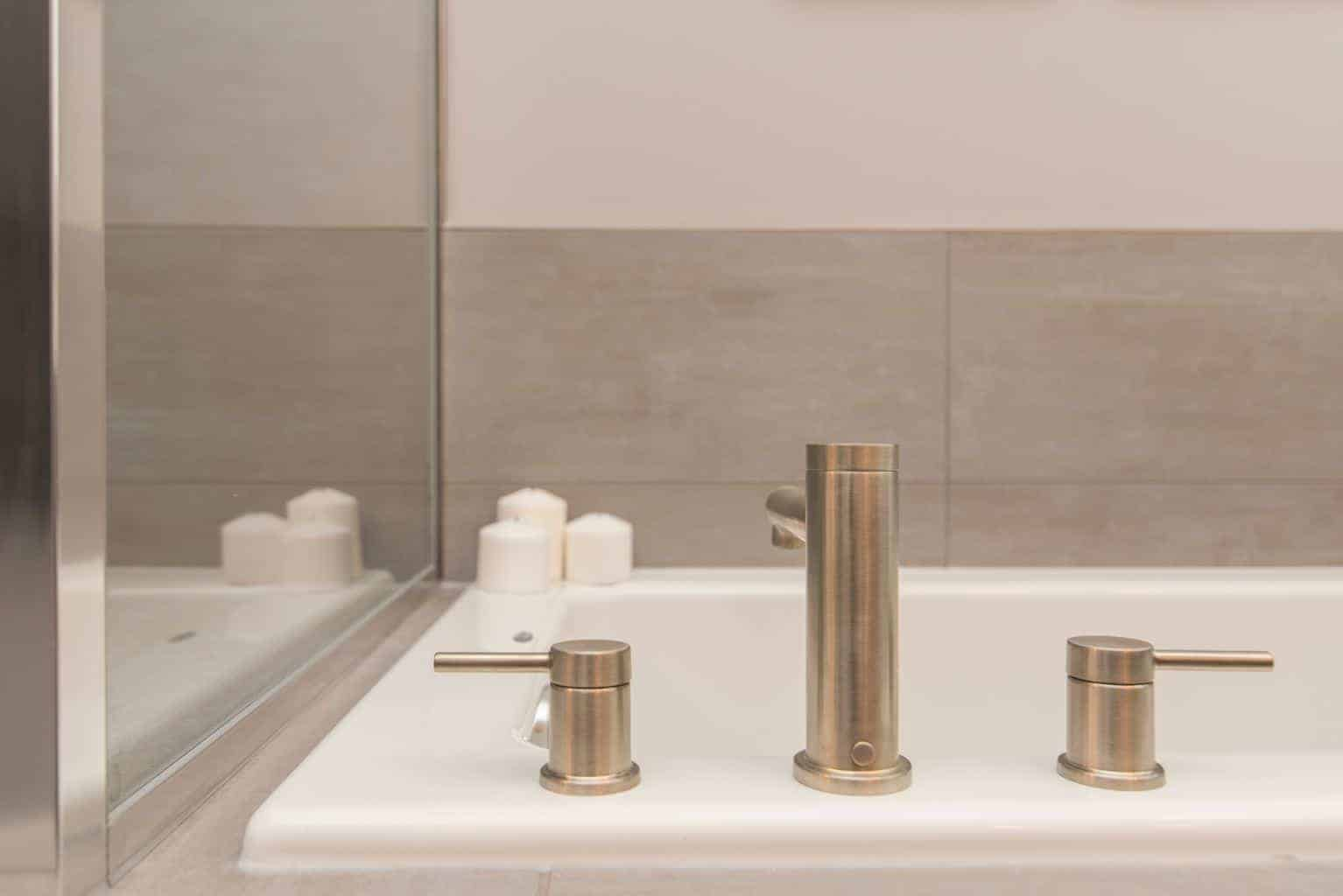 Combining Taste with Functionality: 6 Bathroom Organisation Ideas You Can Apply Today