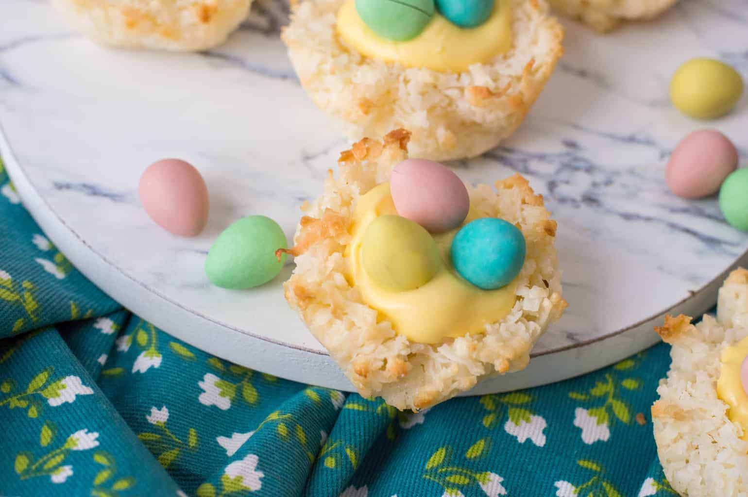 Oh-so-cute and oh-so-easy Easter Macaroons