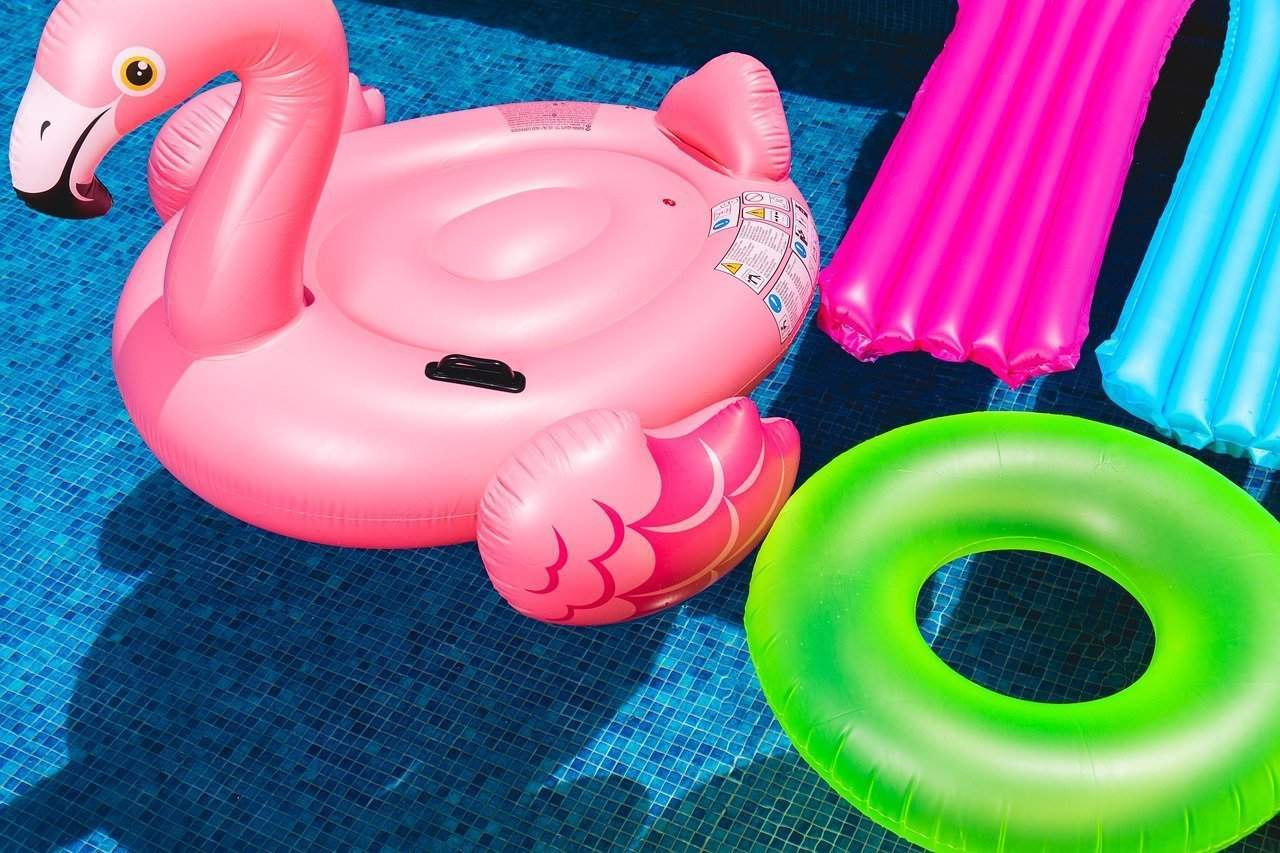 Vital Tips to Know When Buying a Pool Liner