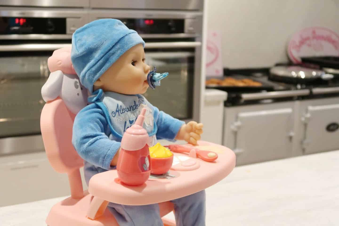 Lunchtime fun with the Baby Annabell Lunch time table ...