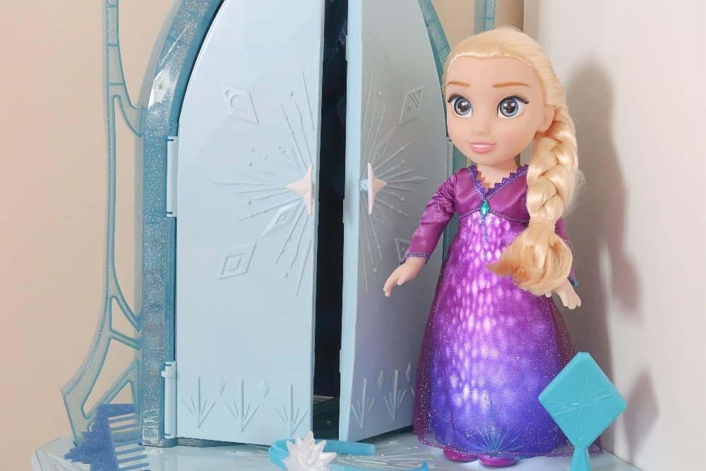 A Frozen 2 Playdate With Singing Elsa And Sven Boo Roo
