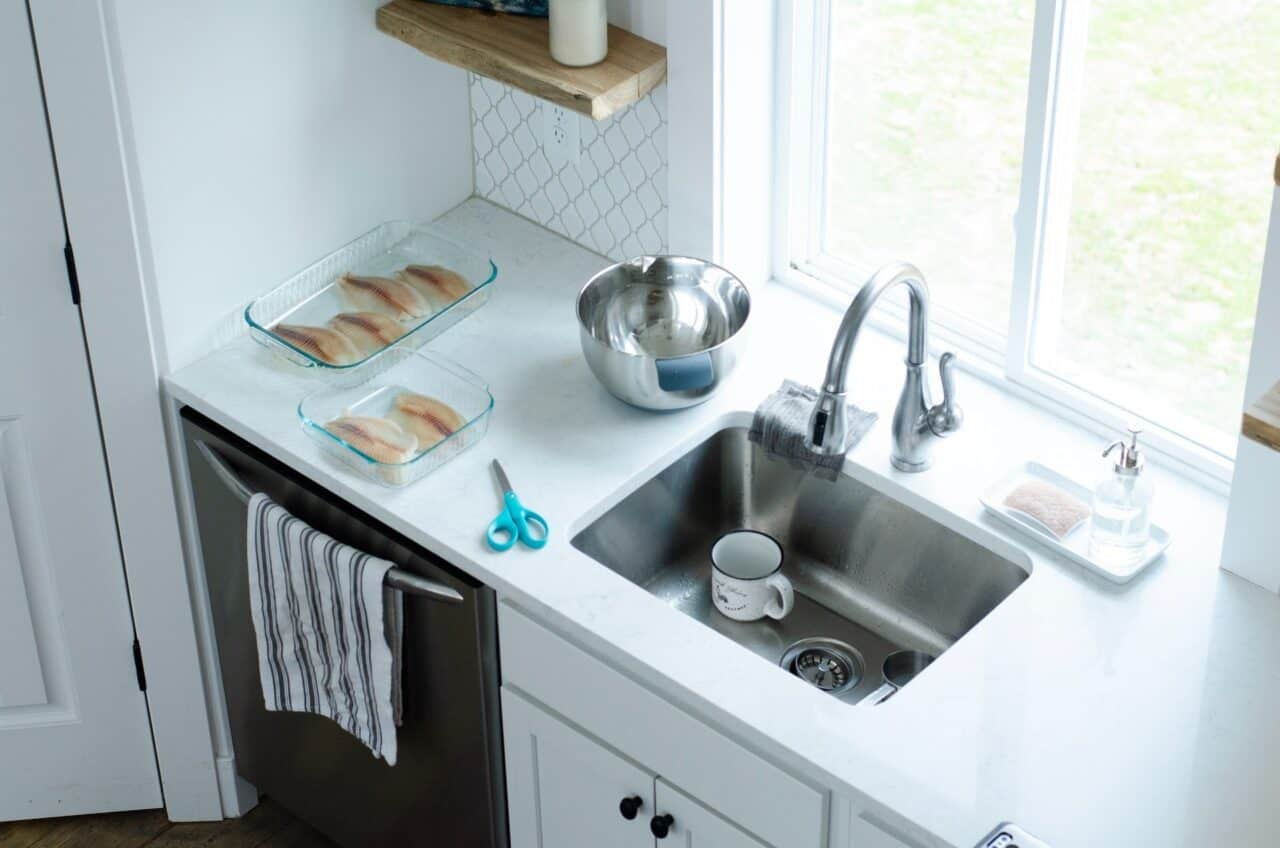 Clogged drain - kitchen overview