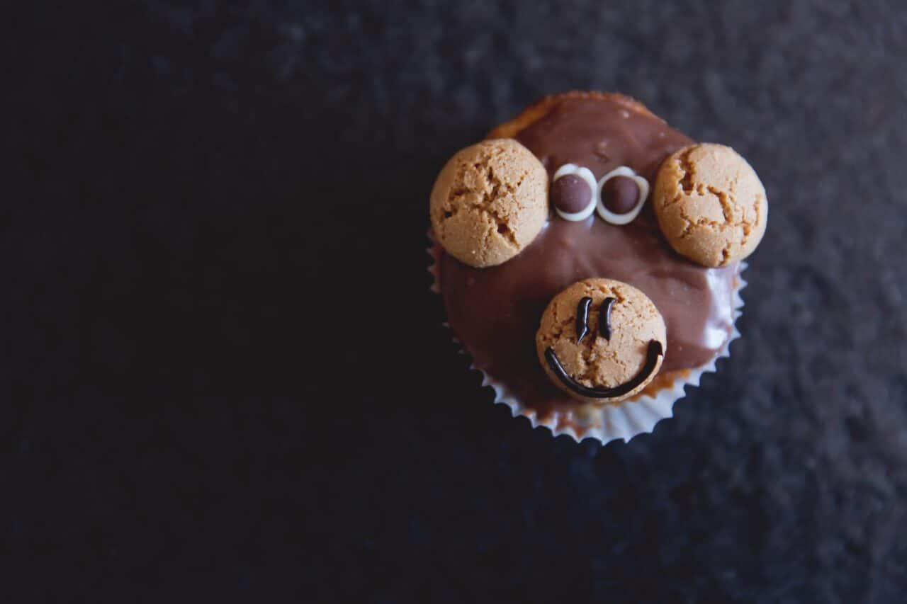 kid-friendly activities at home - cupcakes