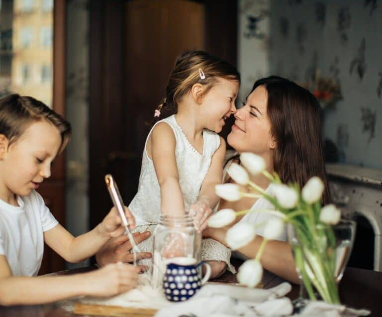 4 Things Moms Can Do to Make Some Extra Money